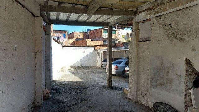 Área fechada coberta e descoberta tipo loja frente rua  Bairro da Paz
