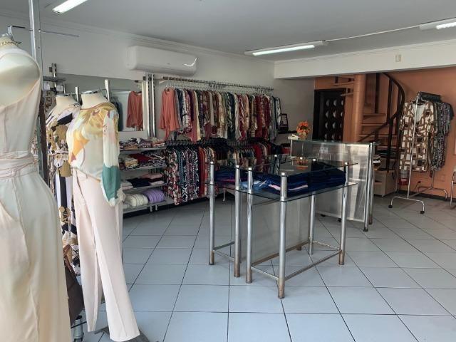 Vendo linda loja de roupas feminina no centro - Foto 5