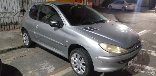 Vendo peugeot 206 básico 2 portas modelo 2001