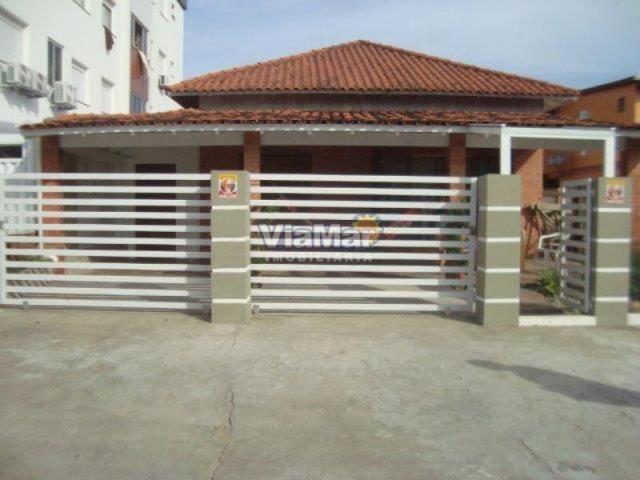 Casa para alugar com 3 dormitórios em Centro, Tramandai cod:174
