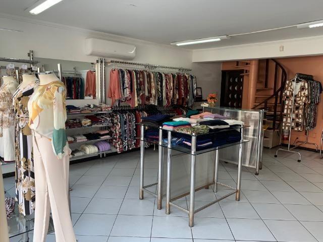 Vendo linda loja de roupas feminina no centro - Foto 3