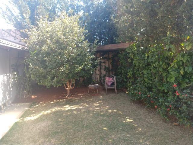 Linda casa com 03 suítes no bairro Jardim Paraíso em Patos de Minas/MG