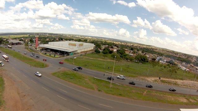 Vendo Excelente terreno de frente a Br 020 planaltina Df Ao lado do Atacadão Ultrabox - Foto 3