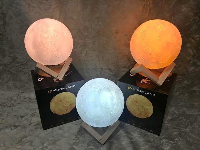Luminária Lua Cheia 3d Usb Touch 15cm - Foto 2