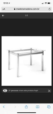 Mesa 4 lugares com tampo de vidro