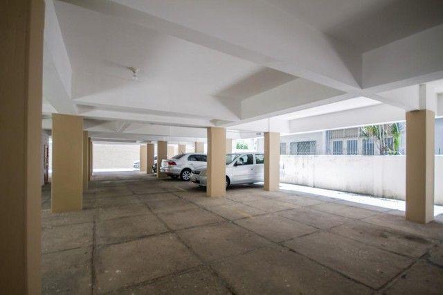 Apartamento com 2 quartos para alugar, 90 m² por R$ 1.800/mês com taxas - Boa Viagem - Rec - Foto 16