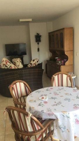 Cobertura Linda e Única, 3 suítes, jardim, piscina, churrasqueira, sauna, ar condicionado - Foto 4