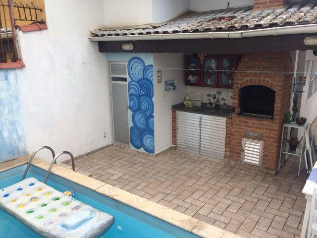 Casa com Piscina 100 mts da Praia Ref. 1074