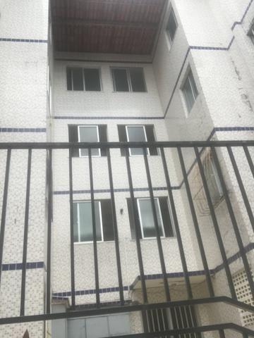 Apartamento de 2 Quartos - Pau da Lima