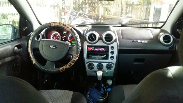 Ford fiesta sedan 1.6 2013