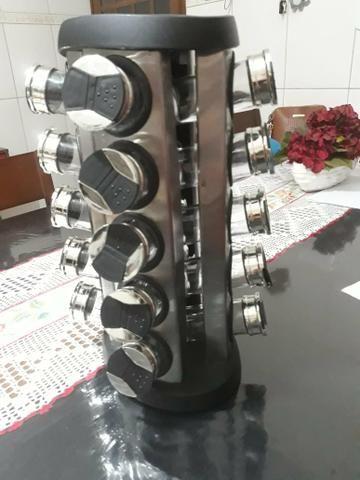 Porta tempero giratório em inox R$170,00 reais