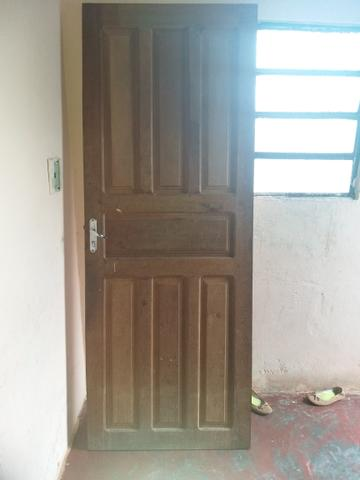 Porta de madeira 90,00