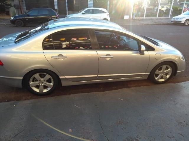 Honda Civic LXS 1.8 2007 Manual - Foto 3