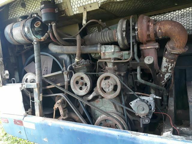Motor de onibus completo