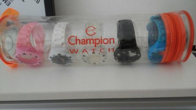 d016bd11674 1relógio com 5 pulseiras coloridas Champion watch - Bijouterias ...