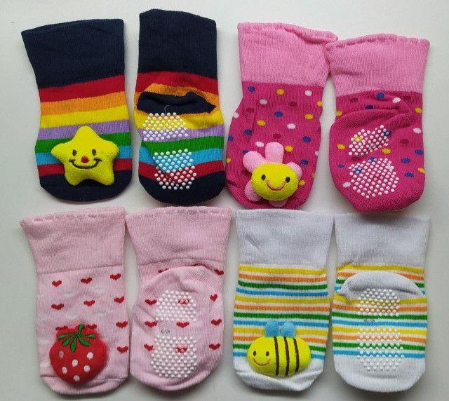 Kit Meia Infantil Pantufa Bebê Com Antiderrapante (4 Pares) - Foto 3