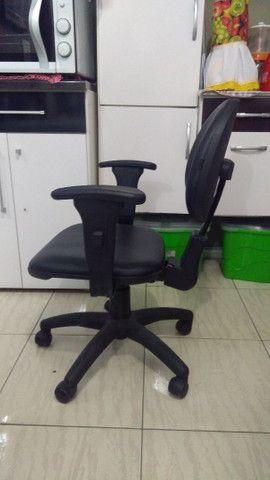 Cadeira de escritório - Material-Moveis - Foto 3