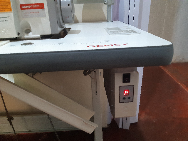 Máquina Industrial Overlook DirectDrive Gemsy GEM 7703D - Foto 2
