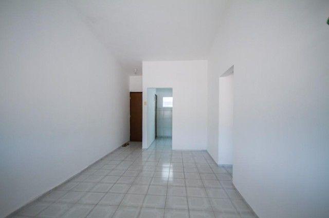 Apartamento com 2 quartos para alugar, 90 m² por R$ 1.800/mês com taxas - Boa Viagem - Rec - Foto 2