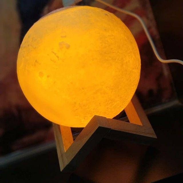 Lua 3D ,Luminária + Umidificador + aromatizador!<br> - Foto 2
