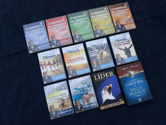 Coleção com 11 DVDs + 2 Livros Pastor Myles Munroe - Foto 5