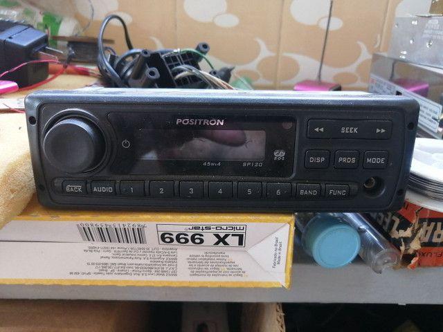Auto rádio Pósitron