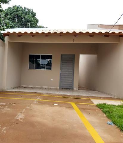Garagem coberta n é geminada e terreno