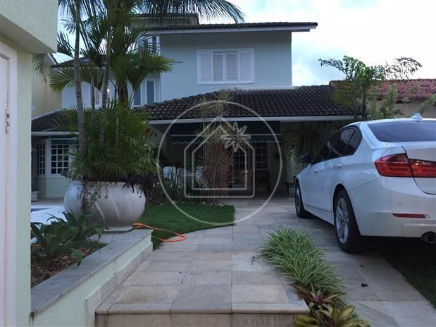Casa de condomínio à venda com 3 dormitórios cod:822628