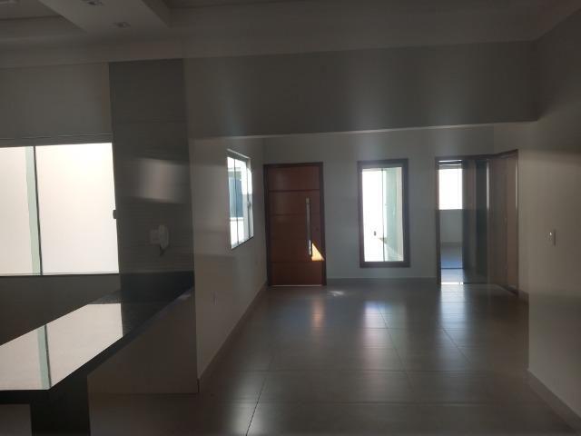 Vende-se ótima casa nova no bairro Jardim Vitória em Patos de Minas/MG - Foto 3