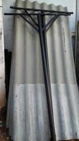 Poste para varal, em ferro, 2 unidades