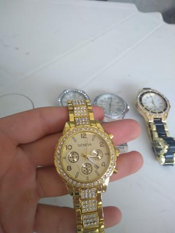 d8b3a2797c7 Lindos relógios femininos importados!! - Bijouterias