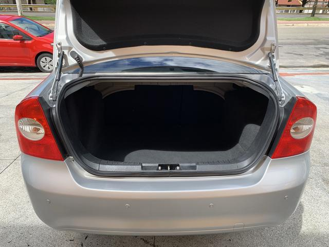 Focus Sedan GLX 2.0 Automático 2013/2013 - Foto 15