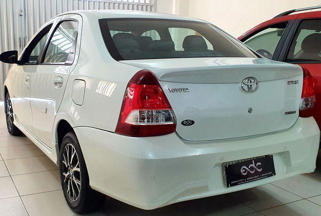 Etios Sedan Platinum 2017 - Foto 5