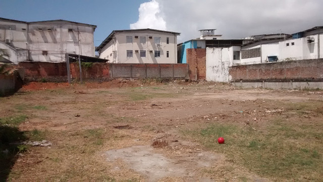 Terreno 2640M2 em Lauro d Freitas plano murado 3 mts d altura - Foto 8
