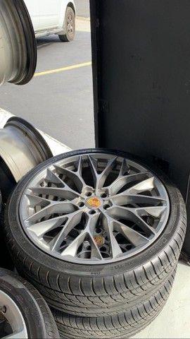 Vendo rodas aro 22 com pneus  - Foto 4