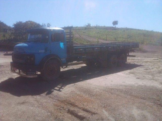Caminhão 1113 carroceria - Foto 4