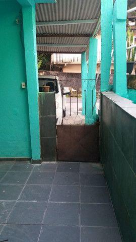Alugo casa no alto da serra de 1 quarto, sala cozinha, banheiro e área - Foto 9