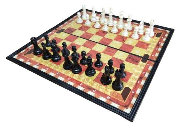 Jogo de xadrez magnético com 32 peças magnético - Foto 4