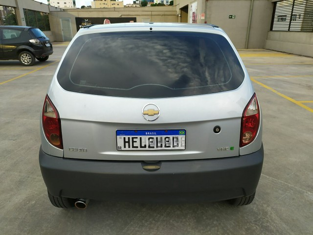 Chevrolet Celta 1.0 VHCE Life 2011 - Foto 9