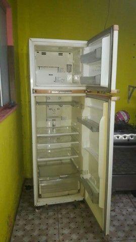 Geladeira frost free BRASTEMP 730L   350$$ - Foto 2