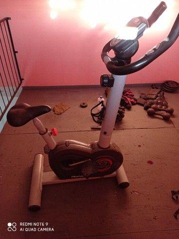 Vendo bicicleta ergométrica - Foto 4