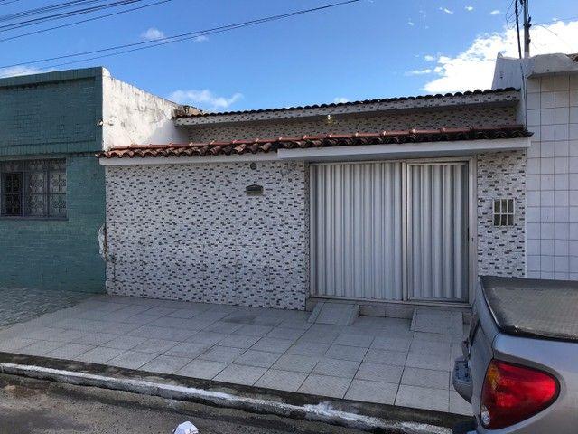Vendo Casa Nova na Ponta Grossa, ótima localização.