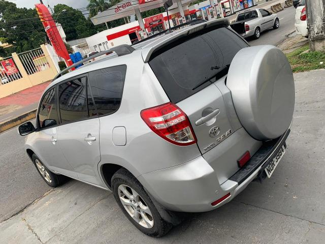Toyota Rav4 com teto solar aceito financiamento - Foto 11