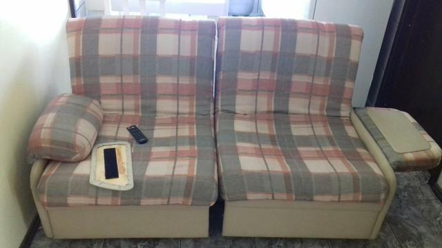 Sofa cama antigo ideal para apartamento