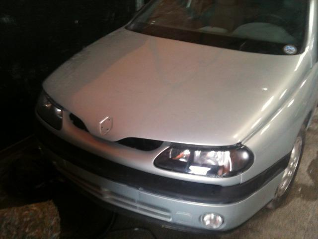 Renault Laguna Sedan 2.0 para aproveitar peças