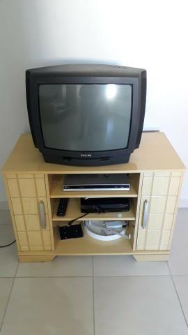 Rack com TV 20 polegadas