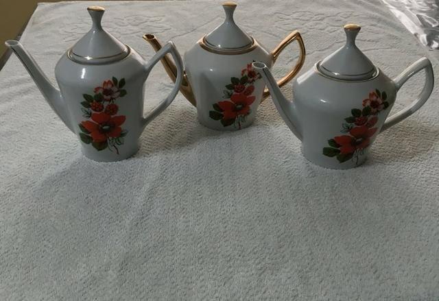Jogo de Chá e Café de Porcelana da Década de 60