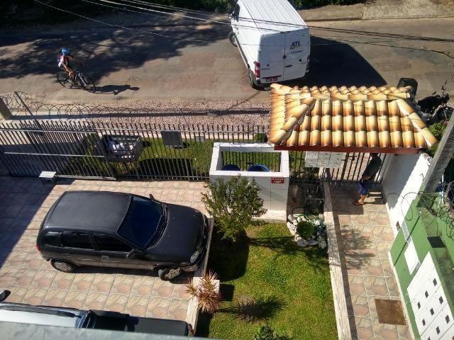 Aluga se apartamento kitnet na região do pinheirinho próximo ao terminal - Foto 5