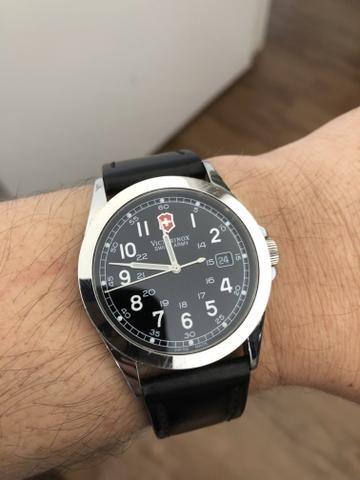 f83eab2b612 Relógio Victorinox Swiss Army Importado - Bijouterias