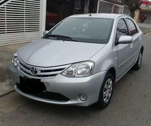 Toyota Etios 2013 s/ entrada